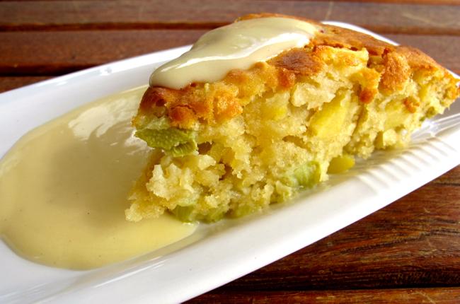Rabarber- och äppelkaka