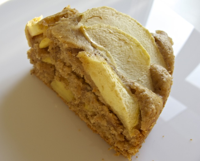 äppelkaka-med-jordnötssmör