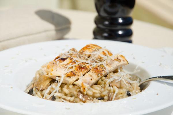 Krämig risotto med kyckling och svamp
