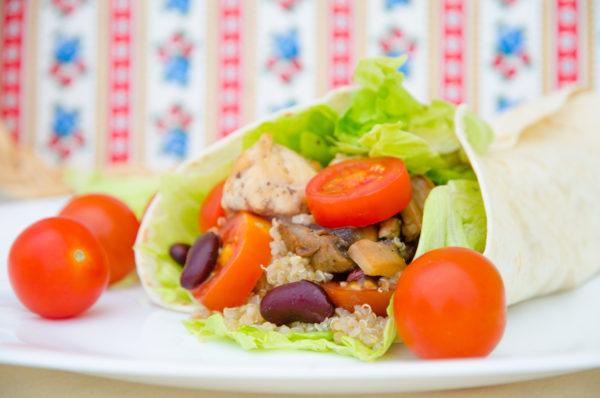 Wrap med quinoa och kyckling