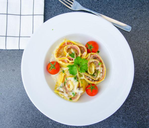 Pastarosor med skinka, svamp och ost