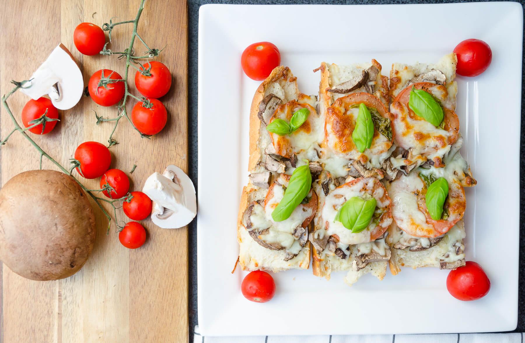 Bruschetta med mozzarella tomat