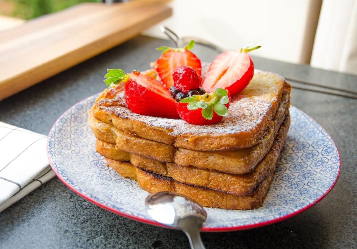 French toast med bär