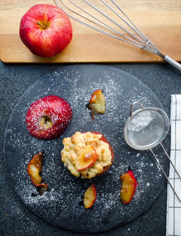 Ugnsbakade äpplen med pajskal