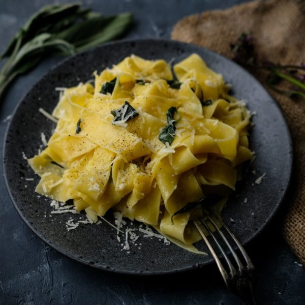 Pappardelle med salvia
