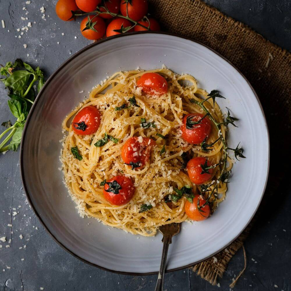 Spaghetti med körsbärstomater